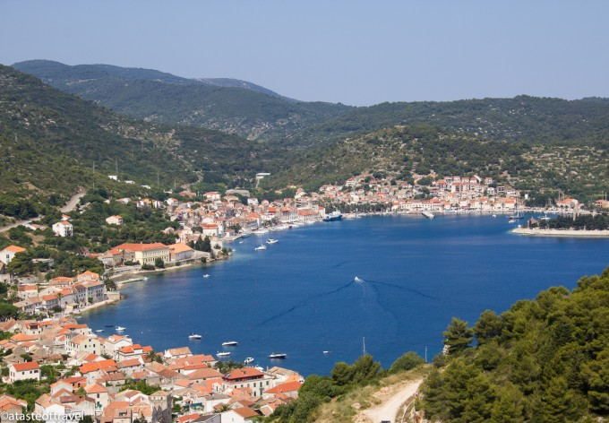 Bay-of-Vis-680x472.jpg