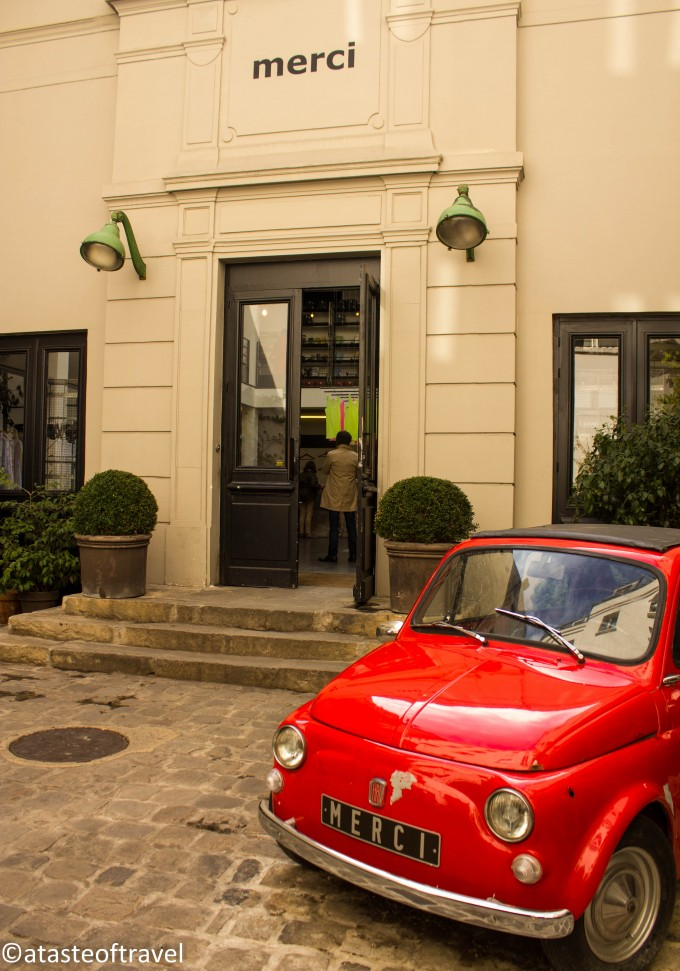 The red cinquecento in the courtyard at Merci in Paris